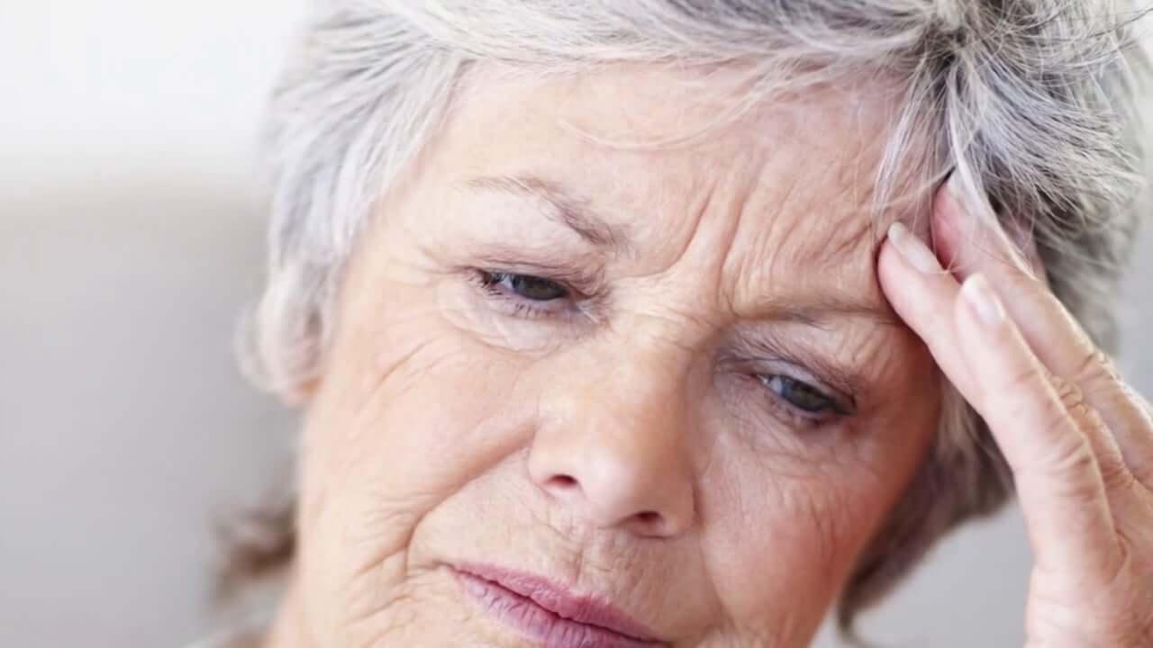 Maux de tête causés par les maux de dents